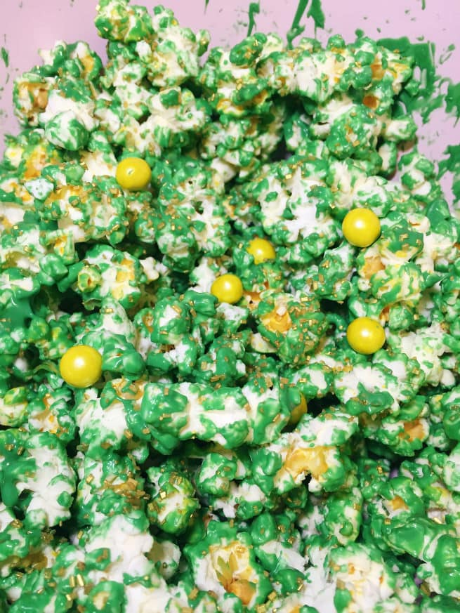Saint-Patricks-Day-Leprechaun- Popcorn-Step-3