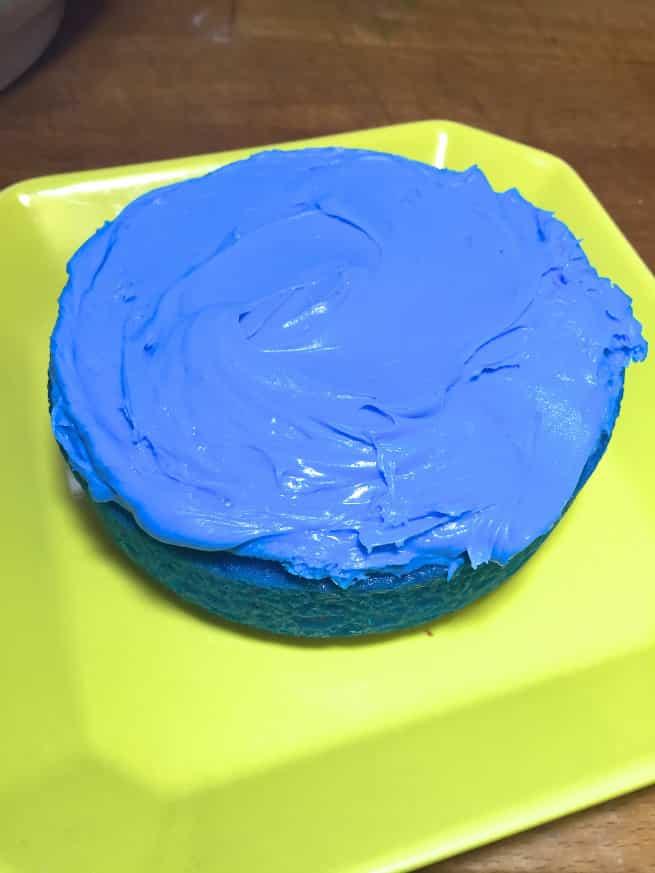 Saint-Patrics-Day-Rainbow-Cake-4