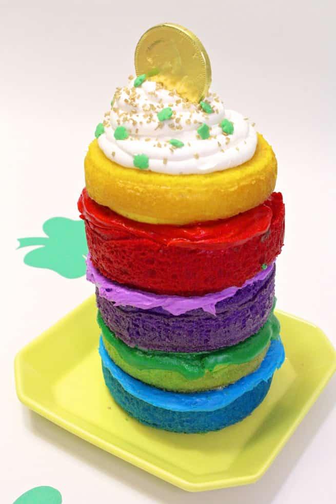 Saint-Patrics-Day-Rainbow-Cake