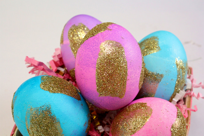 diy-gold-glitter-brush-strokes-easter-eggs-closeup
