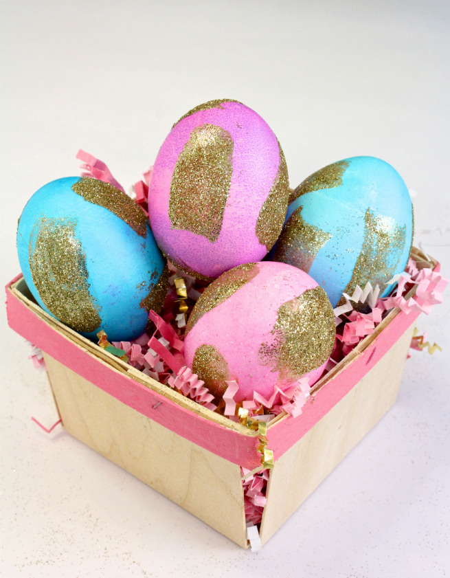 diy-gold-glitter-brush-strokes-easter-eggs-main