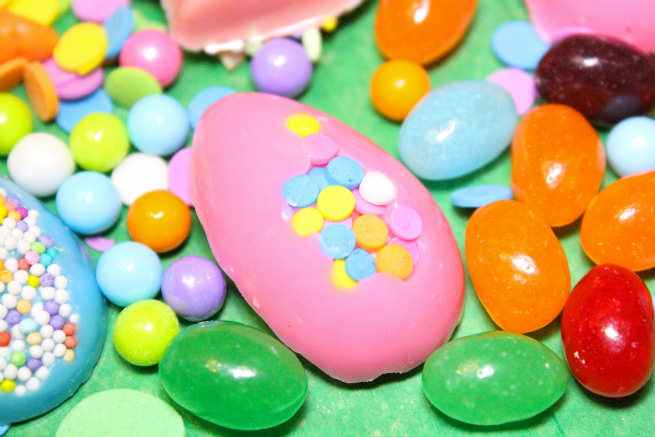 DIY-Chocolate-Easter-Candy-Egg-1