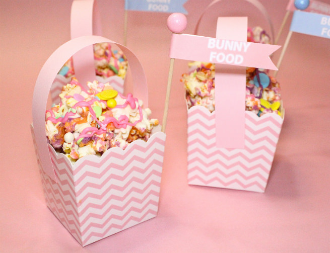 DIY-Mini-Easter Basket-Popcorn-Bunny-Food-basket-Step-2