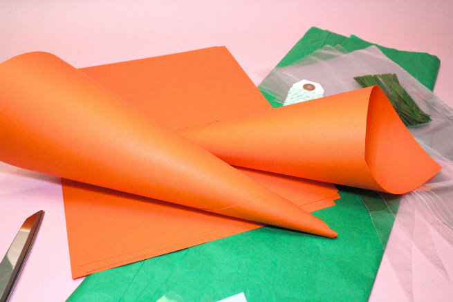 Surprise-Easter-Carrot-Candy-Favor-Bags-Step-1