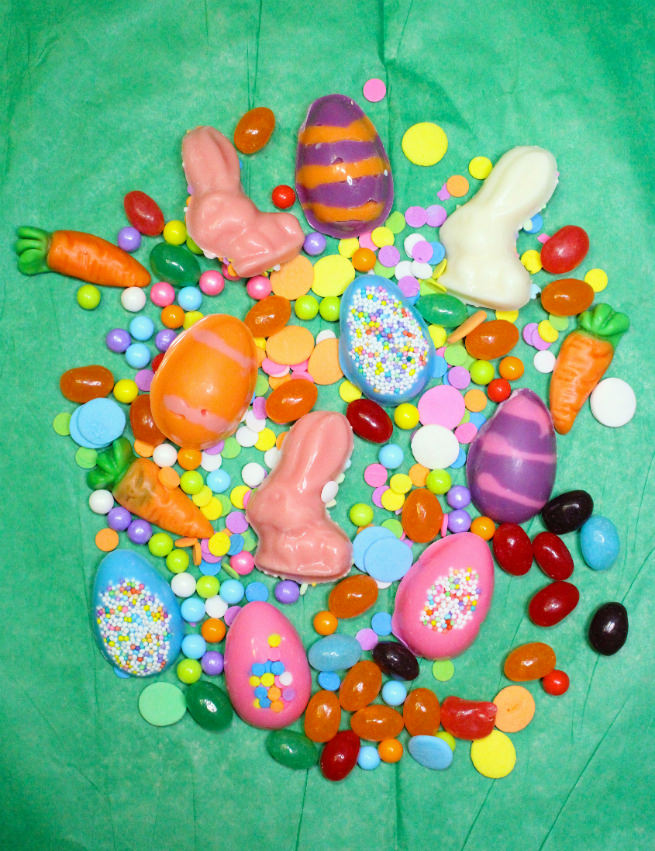 Surprise-Easter-Carrot-Candy-Favor-Bags-Step-3