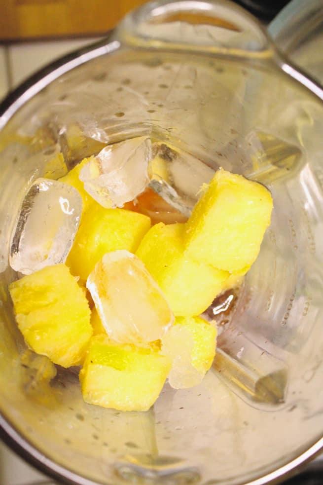 Pineapple-Breezer- Cocktail-Recipe-Step-1