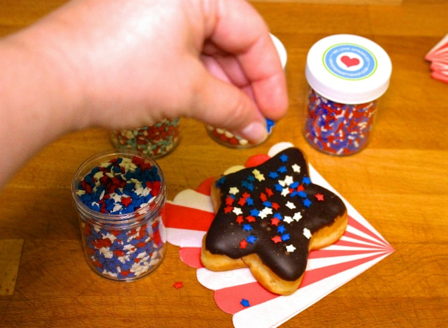 DIY-July-Fourth Star-Doughnuts-donuts-Sprinkles