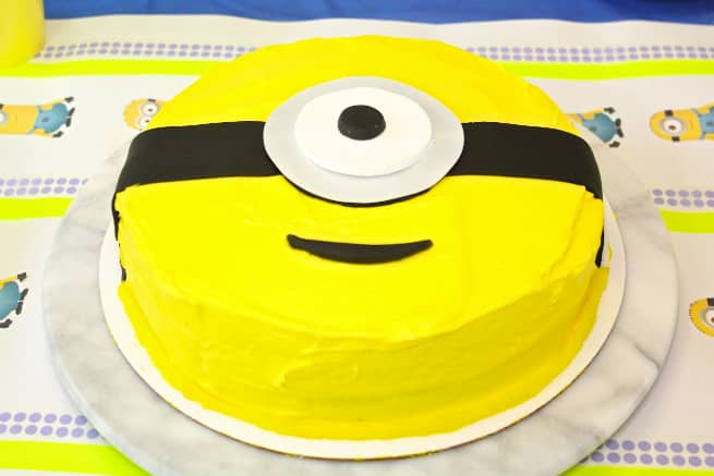 Throw A Rockin DIY MINIONS Party Fiesta Brite and Bubbly