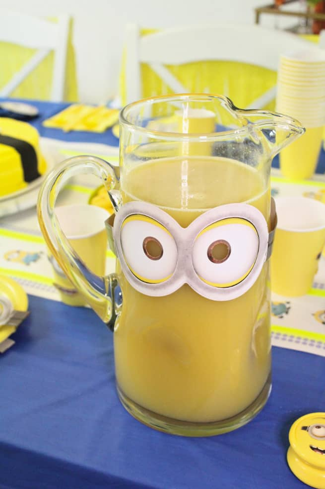 DIY-MINIONS-PARTY-Drink