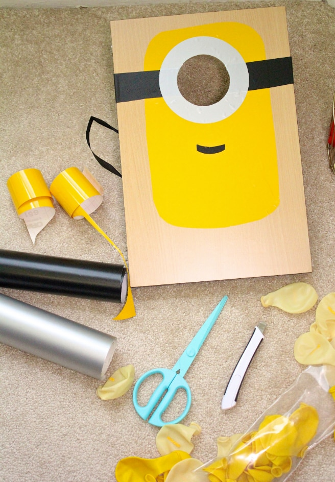 Swell Throw A Rockin Diy Minions Party Fiesta Brite And Bubbly Inzonedesignstudio Interior Chair Design Inzonedesignstudiocom
