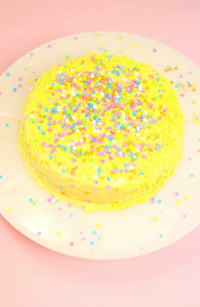 Duncan-Hines-Perfect-Size-Lemon-Cake