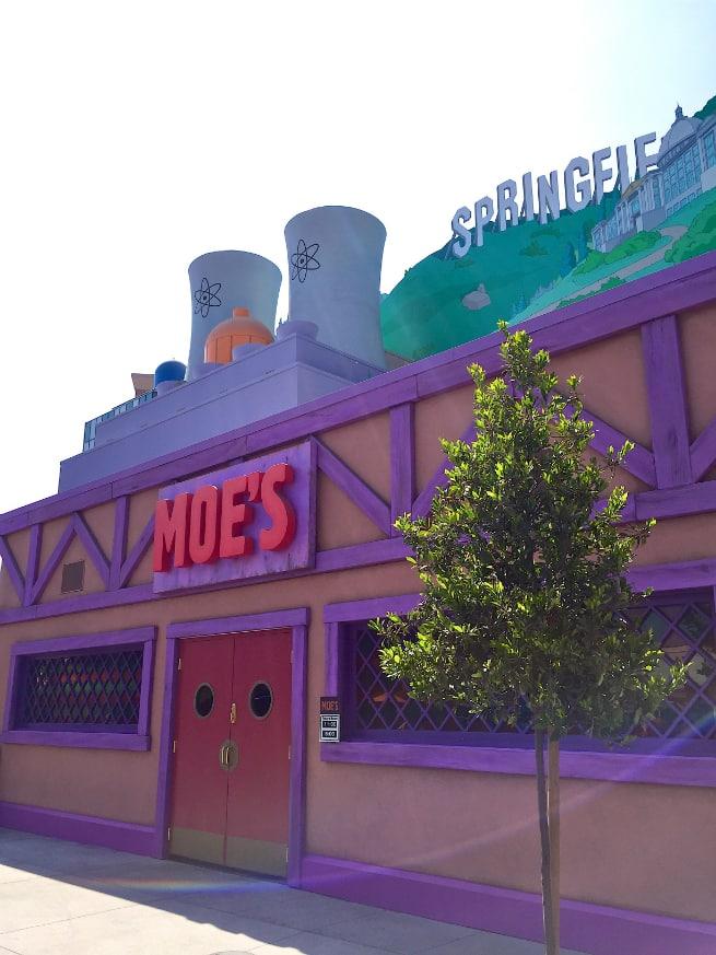 Moes-Tavern-1