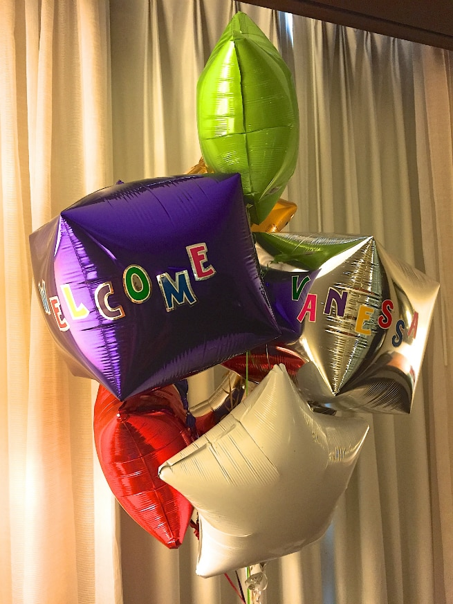 Wyndham-San-Diego-Bayside-Room-Balloons