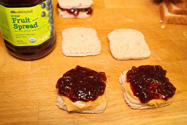 Mini-Peanut-Butter-And-Jelly-Sanwich-Step-4
