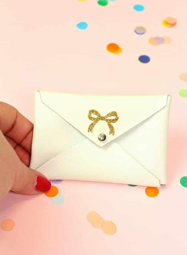 Diy gold glitter monogram business card holders brite and bubbly diy gold glitter bow business card holder colourmoves