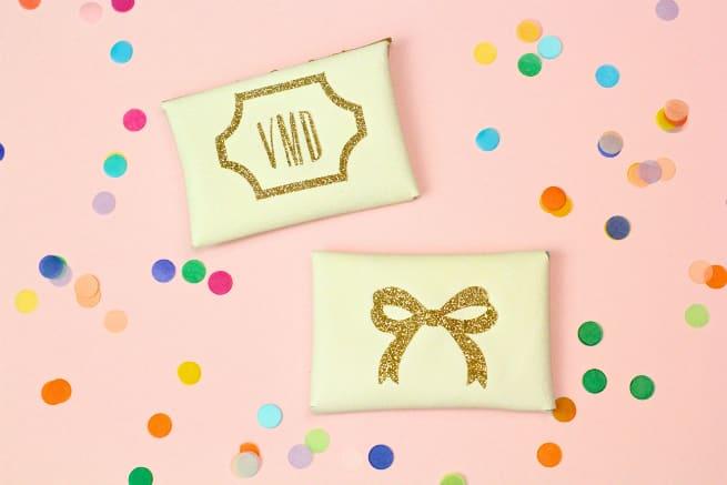 Diy gold glitter monogram business card holders brite and bubbly diy gold glitter monogram business card holder monogram bow colourmoves