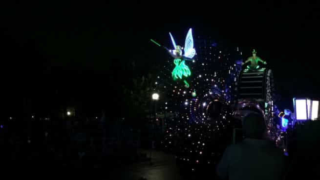 Disneyland-Paint-The-Night-1