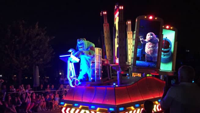 Disneyland-Paint-The-Night-3