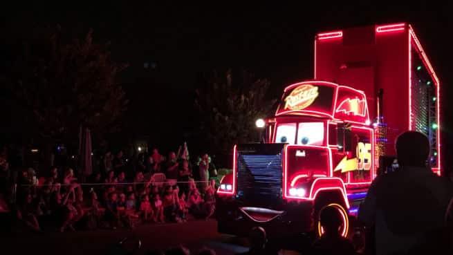 Disneyland-Paint-The-Night-4