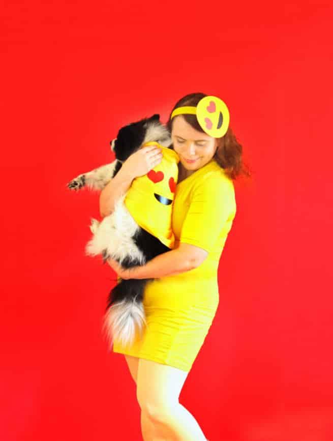 Diy emoji costume for ladies their fur babies brite and bubbly diy emoji halloween costume ladies dogs 2 solutioingenieria Images