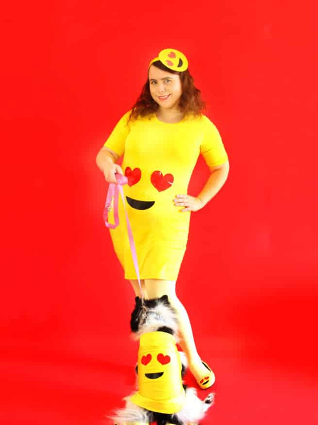 DIY-Emoji-Halloween-Costume-Ladies-Dogs