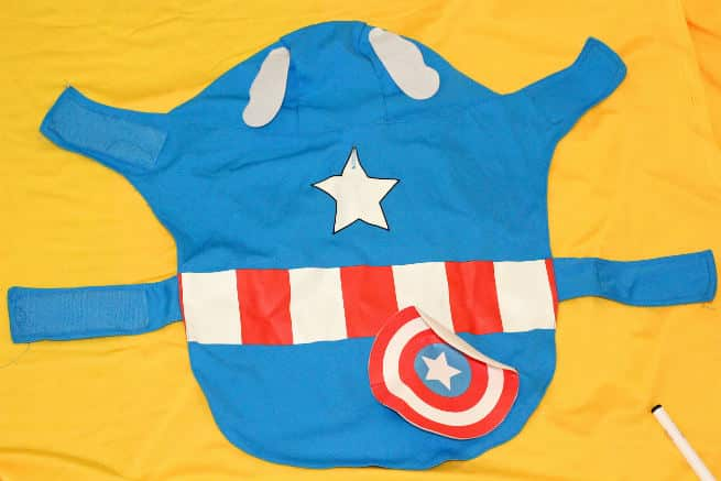 DIY-Emoji-Halloween-Dog-Costume-Step-1
