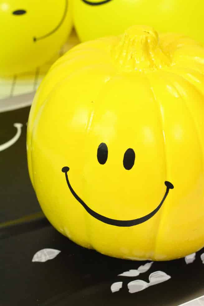 DIY-Smiley-Face-Halloween-Pumpkins-Step-5