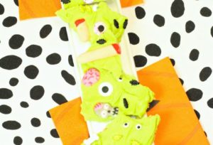 DIY Zombie Themed Chocolate Candy Bark For Halloween!