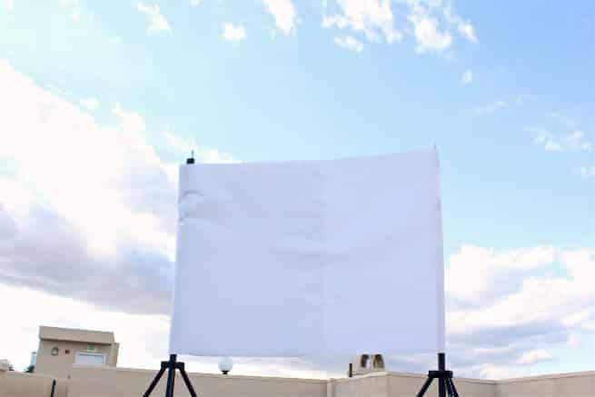 DIY-Outdoor-Movie-Screen-1