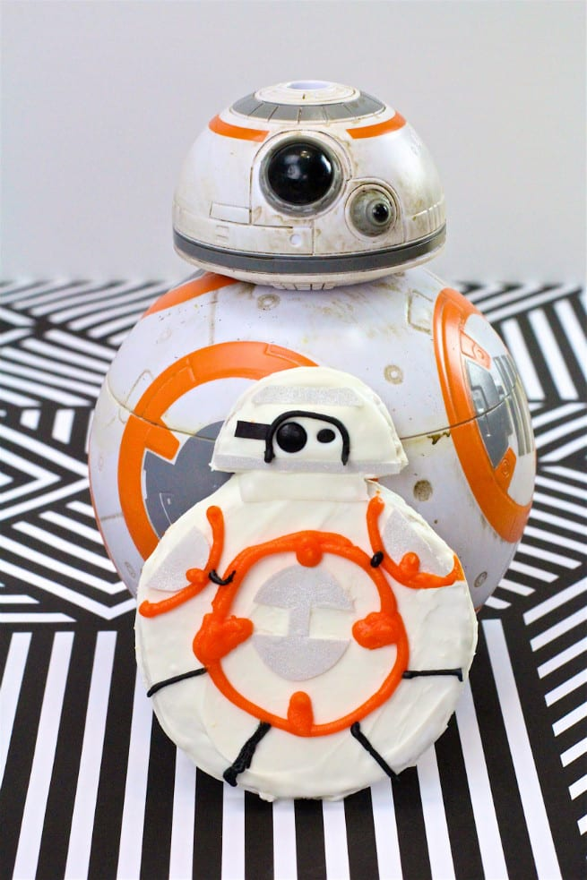 Star Wars The Force Awakens BB8 No Bake Cookies