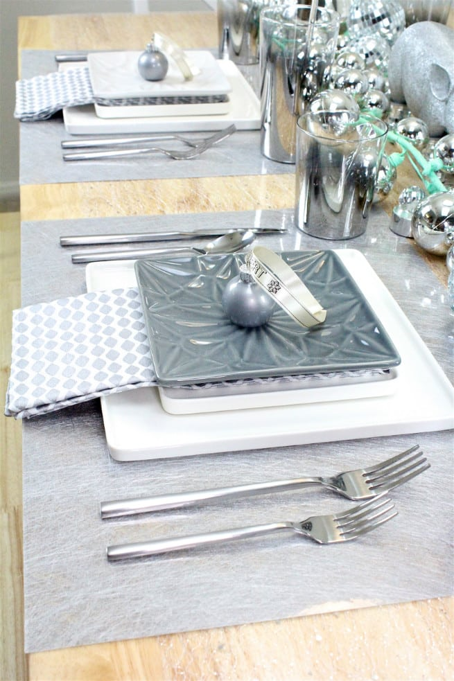 DIY-CB2-HOLIDAY-NEWYEARS-TABLE-SETTING