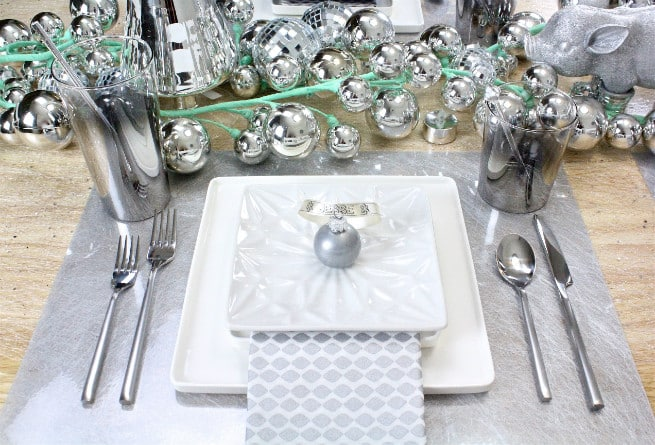 DIY-CB2-HOLIDAY-NEWYEARS-TABLESCAPE-3