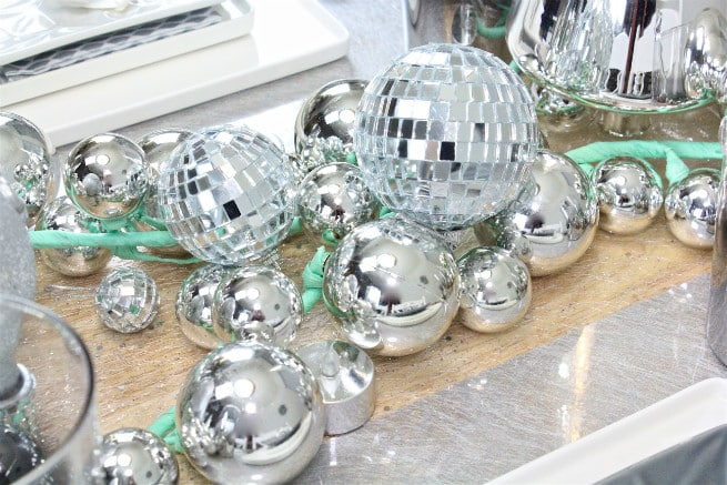 DIY-CB2-HOLIDAY-NEWYEARS-TABLESCAPE-6