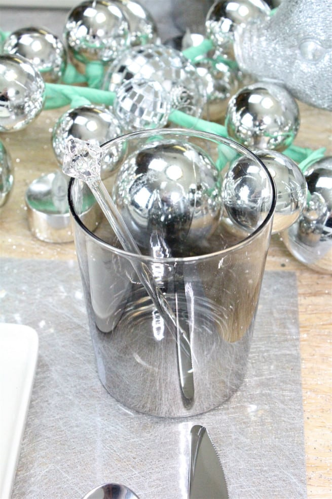 DIY-CB2-HOLIDAY-NEWYEARS-TABLESCAPE-7