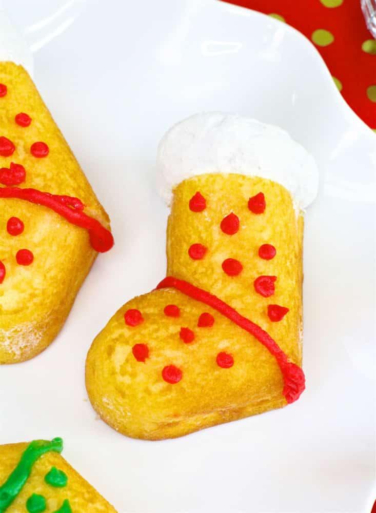 DIY-Hostess-Twinkies-Holiday-StockinG-Cake