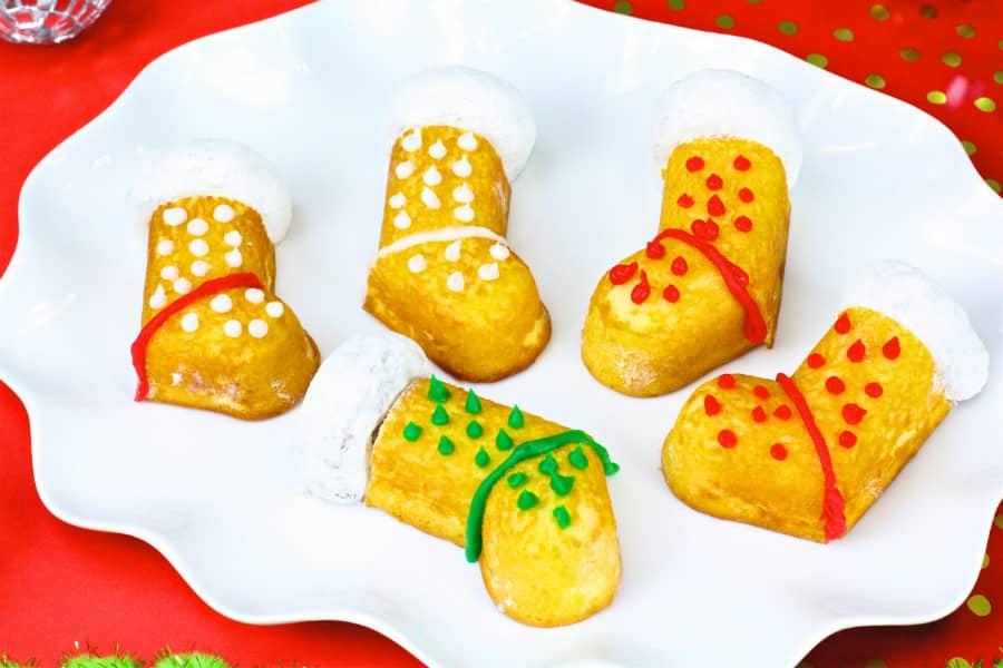 DIY Hostess-Twinkies-Holiday-Stockings-Cakes