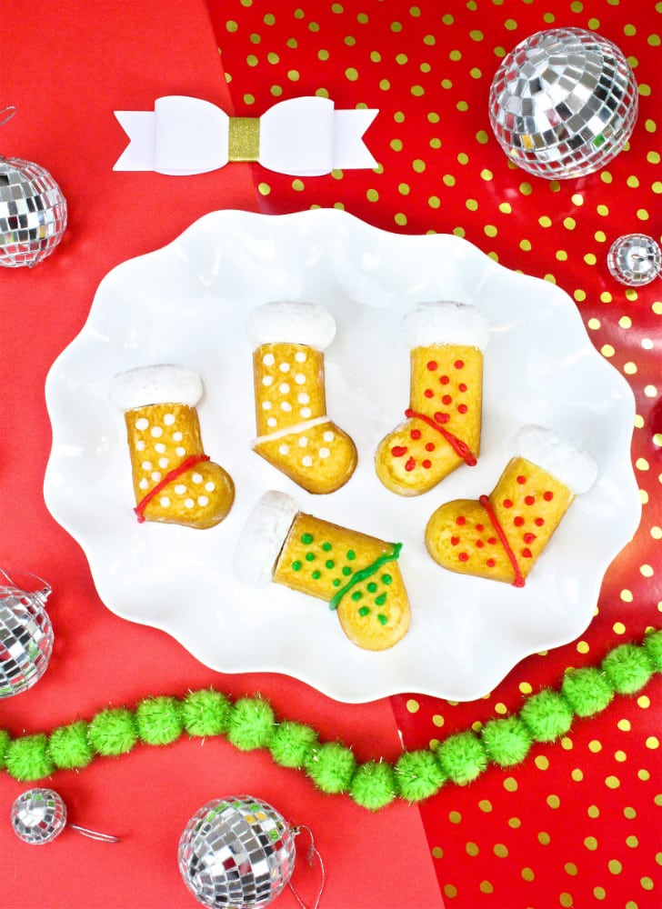 DIY-Hostess-Twinkies-Holiday-Stockings-Cakes