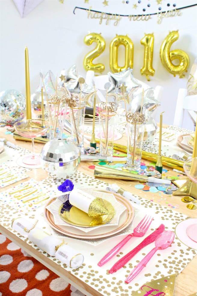 Our Colorful New Years Eve 2016 Tablescape! ⋆ Brite and Bubbly