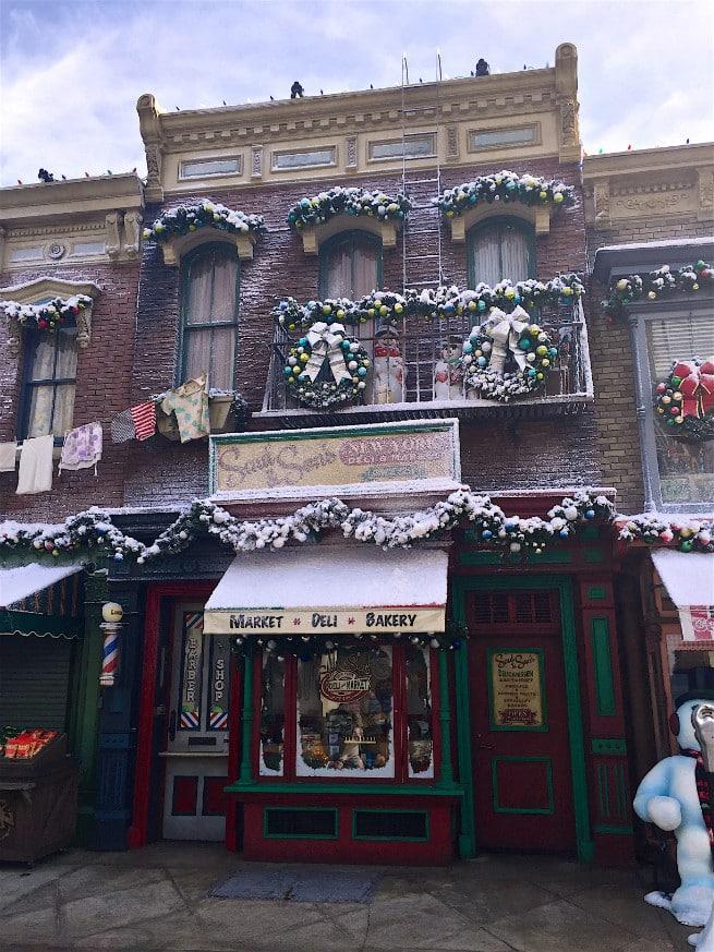 Universal-Studios-Hollywood-Holidays-2015-new york-1
