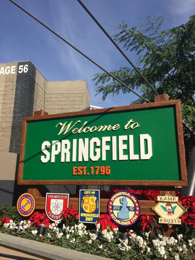 Universal-Studios-Hollywood-Holidays-2015-springfield
