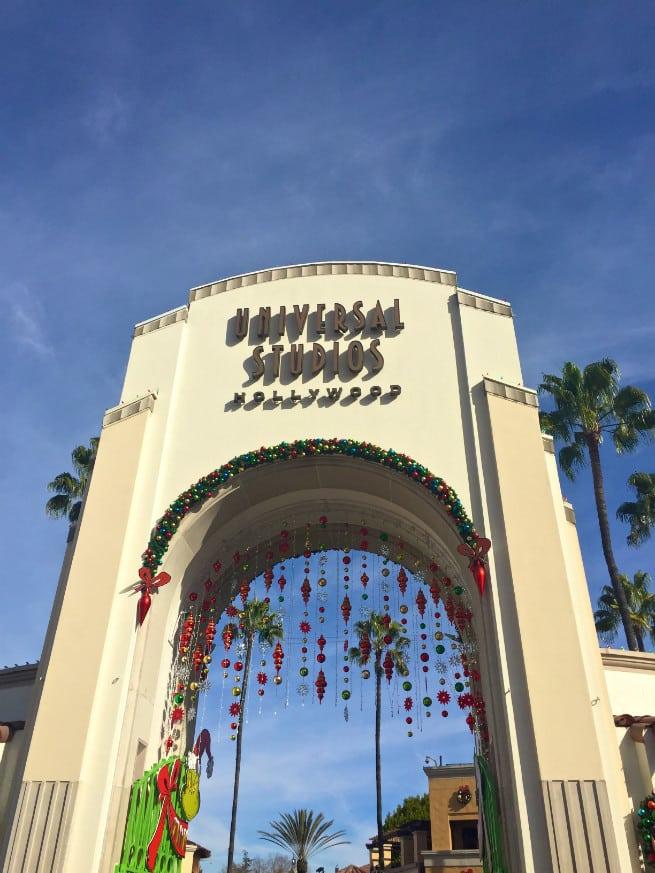Universal-Studios-Hollywood-Holidays-2015