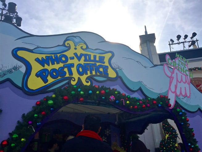 Universal-Studios-Hollywood-Holidays-Grinchmas-2015-grinch-1