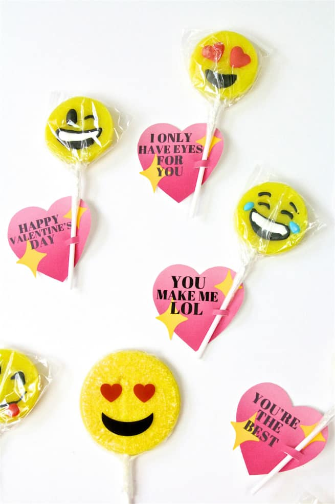 DIY Emoji Lollipop Heart Valentines