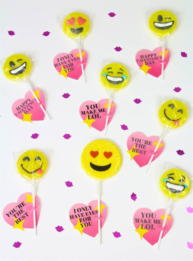 DIY Emoji Lollipop Heart Valentine's + Free Printable