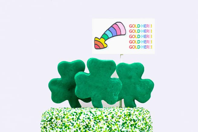 DIY Saint Patrick's Day Surprise Cake Topper Sign