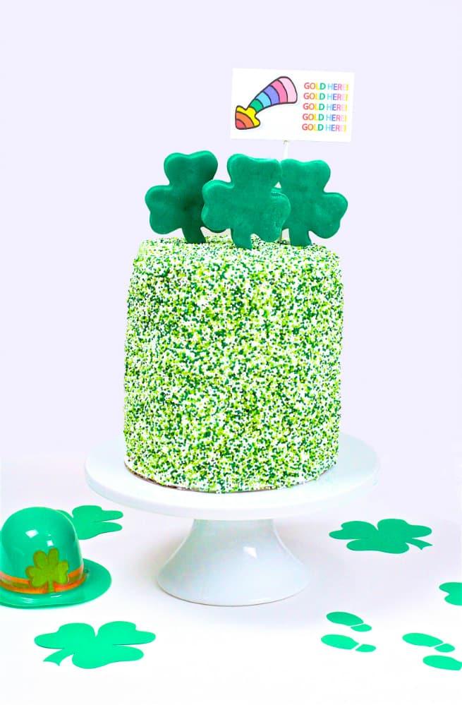 DIY Saint Patrick's Day Surprise Cake
