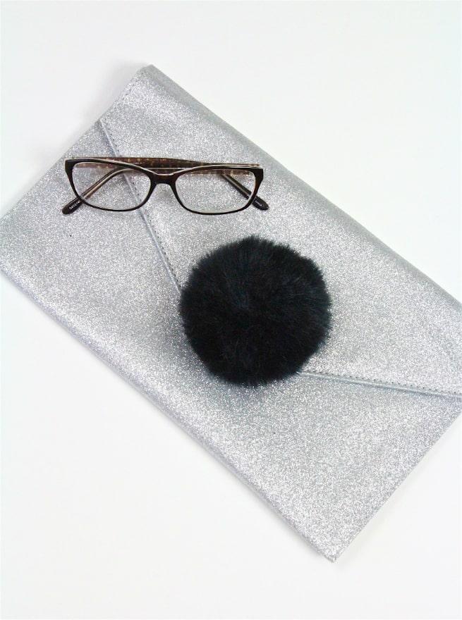 red carpet glasses