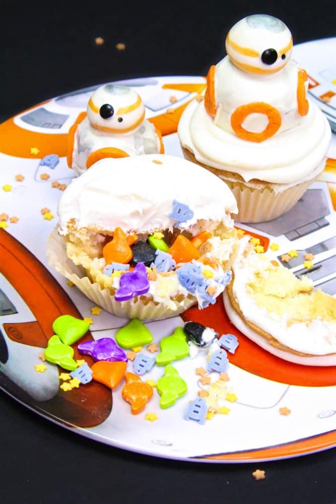 DIY BB-8 Surprise Cupcakes Inside