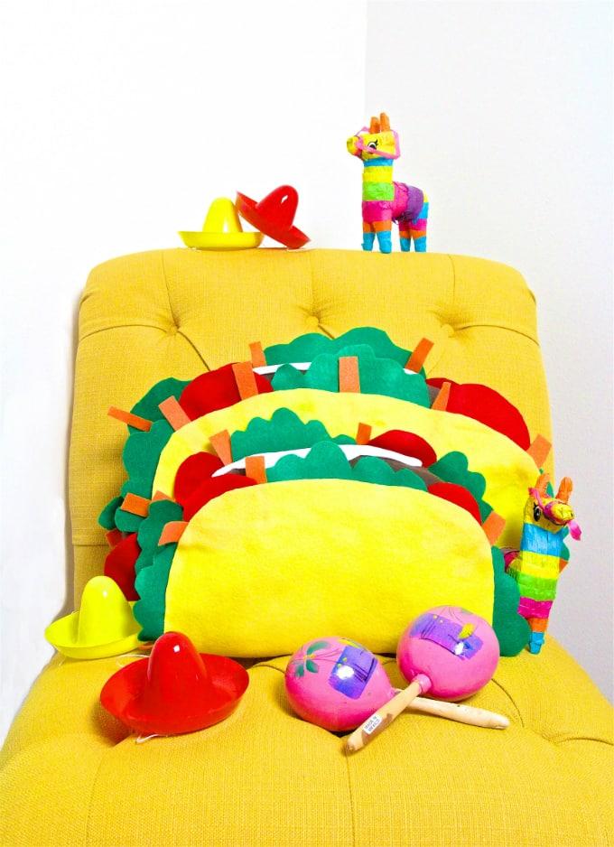 Taco Pillow DIY