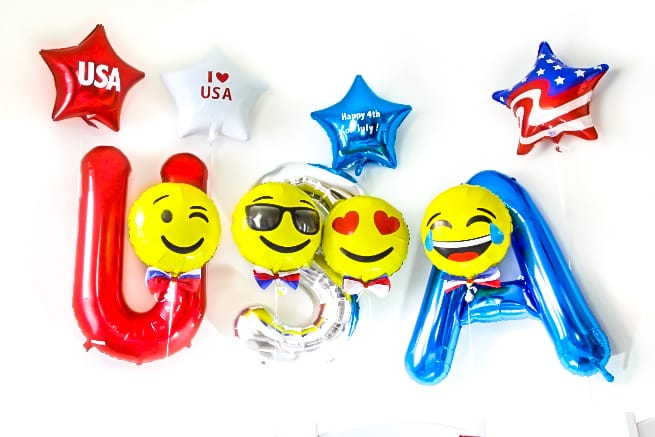 DIY July 4th Emoji Balloons